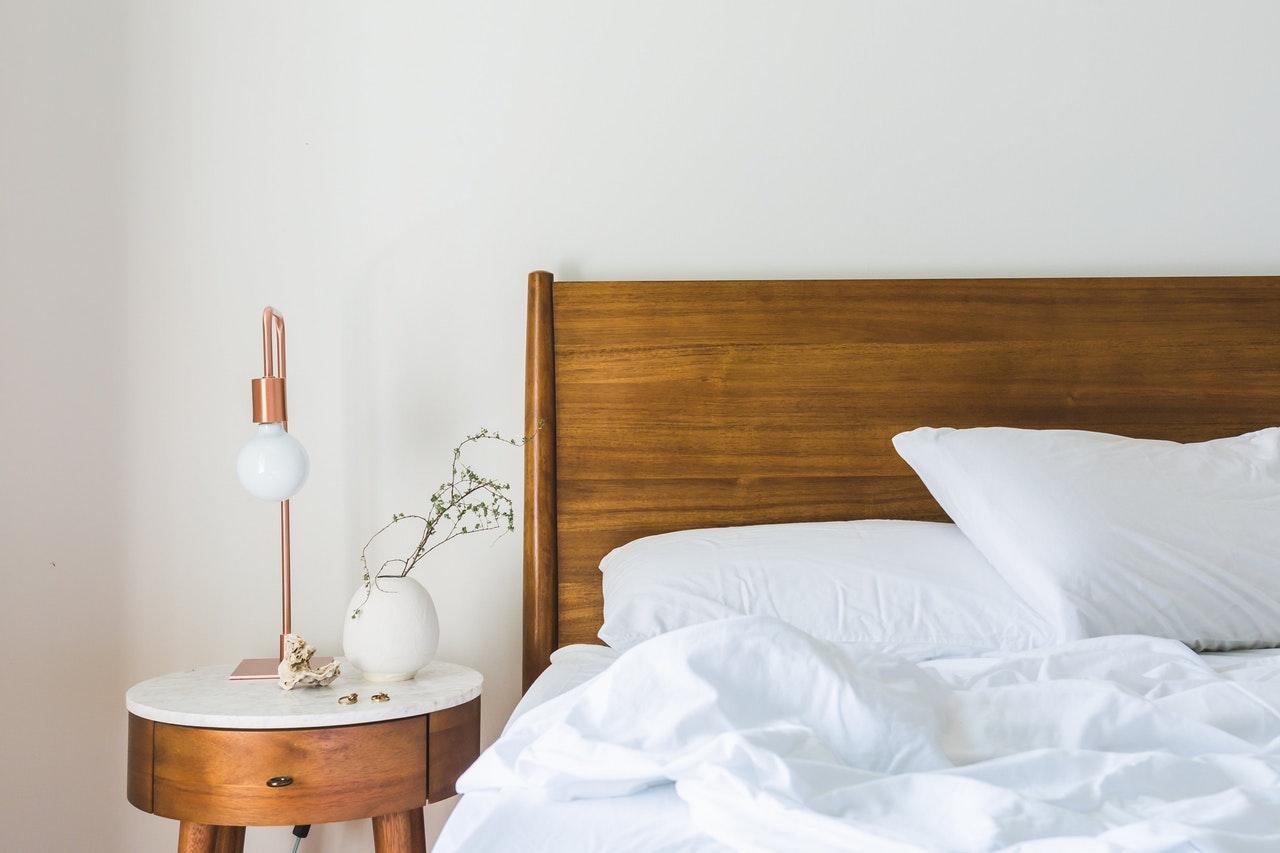Pomysły na zaprojektowanie minimalistycznej sypialni