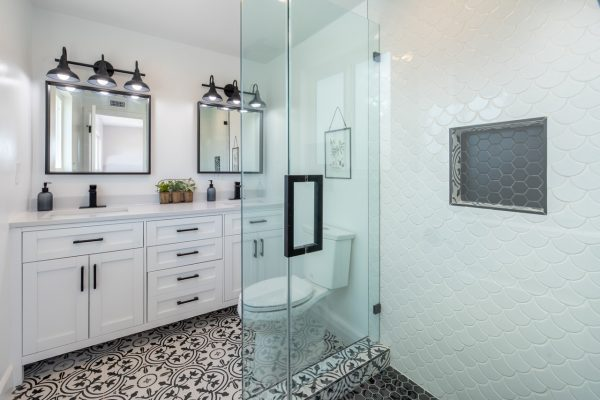 Ekran prysznicowy do łazienki