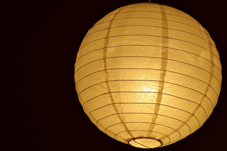 Lampa papierowa – tymczasowa, a może na stałe?