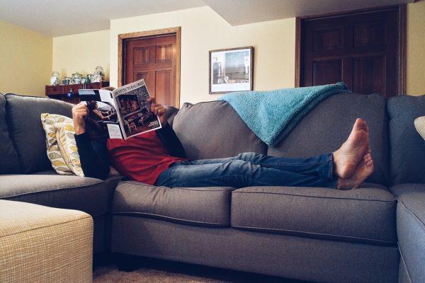 Wybieramy sofę do salonu