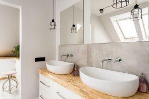 Jak dobrać lustro do łazienki?