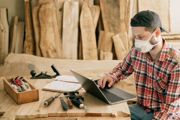 Pracownia stolarska z prawdziwego zdarzenia