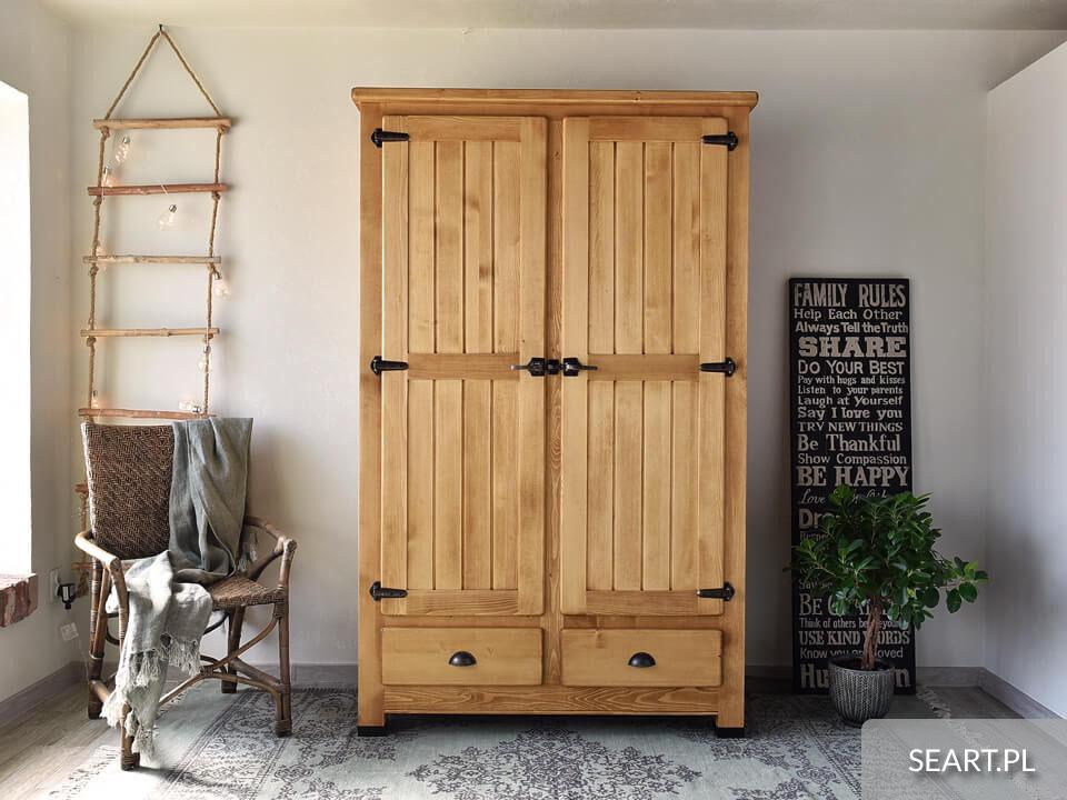 Szafa drewniana – organizacja przestrzeni a przechowywanie