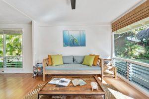 Drewniane meble dla każdego – jakie wybrać?