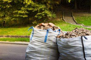 Jak pozbyć się odpadów budowlanych zgodnie z przepisami?